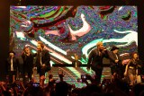 米ロサンゼルスで開催中の『OTAQUEST LIVE』で共演した登坂広臣(前列左)とELLY(前列右)