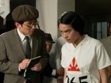 レースに挑む直前の人見絹枝(菅原小春)と記者の尾高(じろう)(C)NHK