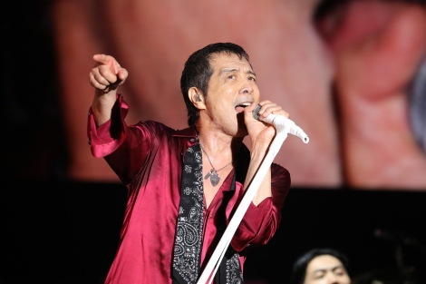 """70歳を過ぎても「俺、やります。よろしく!」と宣言した矢沢永吉=『E.YAZAWA SPECIAL EVENT """"ONE NIGHT SHOW 2019""""』 Photo by ほりた よしか"""