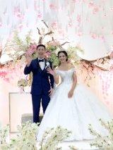 インドネシア住みます芸人アキラ・コンチネンタル・フィーバー(左)が結婚