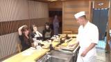 日向坂46特典映像「はじめて超高級寿司屋に行ってみた」(左から)加藤史帆、小坂菜緒、上村ひなの