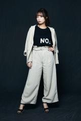 「NO COFFEE」×「FIRSTORDER」コラボTシャツをまとった宇垣美里