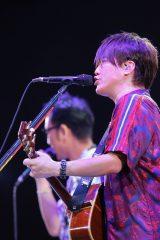 32公演すべて異なるセットリストを用意したコブクロ(手前から)小渕健太郎、黒田俊介