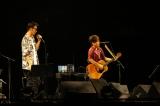 京セラドーム大阪で結成20周年ツアーの国内ファイナルを迎えたコブクロ