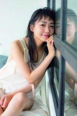 23日発売の写真週刊誌『FLASH』に登場した奈緒(C)光文社/週刊FLASH 写真◎山本春花