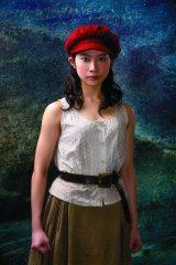 屋比久知奈(『レ・ミゼラブル』カンパニー)=『FNSうたの夏まつり』出演アーティスト