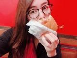 毎朝ハンバーガーショップに通ったという松井珠理奈 (写真は公式ブログより)