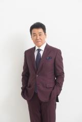 NHK『第51回思い出のメロディー』に出演する五木ひろし (C)NHK