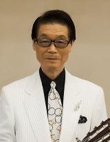 NHK『第51回思い出のメロディー』に出演する鶴岡雅義 (C)NHK