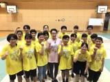 『24時間テレビ42』でろう学校の生徒とタップダンスを披露する浅田真央 (C)日本テレビ