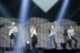 『WINNER JAPAN TOUR 2019』千葉・幕張メッセ公演より(左から)カン・スンユン、ソン・ミノ、イ・スンフン、キム・ジヌ