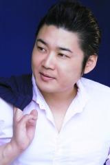 NHK『演歌フェス2019』に出演する村木弾 (C)NHK