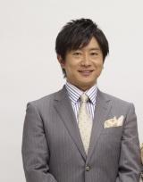 NHK『演歌フェス2019』司会の小松宏司アナウンサー (C)NHK
