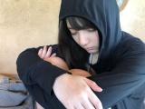 無防備な寝顔を披露した日向坂46・小坂菜緒(写真集公式ツイッターより)