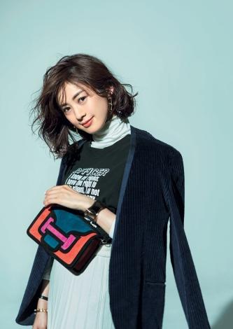 サムネイル ファッション誌『STORY』のカバーモデルを務める高垣麗子