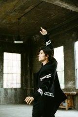 三浦春馬が主演ドラマ『TWO WEEKS』主題歌MVでコンテンポラリーダンスを披露