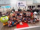『競泳ワールドカップ2019東京』記者会見を見に来ていた子どもたちと一緒にフォトセッション (C)ORICON NewS inc.
