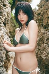 デジタル写真集『ぐらぐら』を発売する小倉優香
