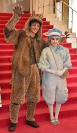 日生劇場ファミリーフェスティヴァル2019『音楽劇 あらしのよるに』ゲネプロ前取材会に出席した(左から)渡部豪太、福本莉子 (C)ORICON NewS inc.