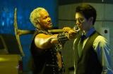8日放送の木曜劇場『ルパンの娘』第5話に出演する(左から)真壁刀義、瀬戸康史(C)フジテレビ