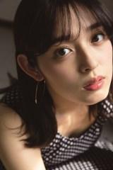 1st写真集の発売が決定した矢作穂香
