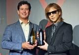 醸造家ロブ・モンダヴィJr.とともに新作ワイン「Y by Yoshiki California」を披露するYOSHIKI (C)oricon ME inc.