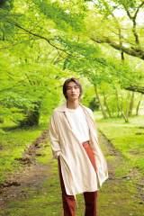 『横浜流星2020年カレンダー』より(C)KADOKAWA