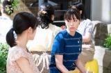 連続テレビ小説『なつぞら』第20週・第115回より。なつ(右:広瀬すず)は、妊娠して仕事に取り組む茜(左:渡辺麻友)を見て、働きながら出産することの難しさを実感する(C)NHK