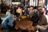 連続テレビ小説『なつぞら』第19週・第109話より。結婚を決めたなつ(広瀬すず)と坂場(中川大志)は、十勝の家族に報告するため北海道にやってきた(C)NHK