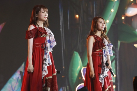 乃木坂46次期キャプテン秋元真夏(左)と現キャプテン桜井玲香