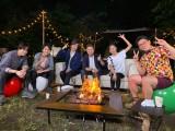 『アオハルTV』に出演する(左から)菊池風磨、佐藤勝利、DAIGO、ヒロミ、小島瑠璃子、ビビる大木(C)フジテレビ