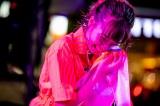 笑顔で大粒の涙を似せた斉藤朱夏/バースデーフリーライブ(写真:Viola Kam)
