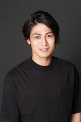 舞台『冒険者たちのホテル〜ドラゴンクエストXに集いし仲間たち〜』に出演する丸山敦史