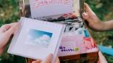 2028年ドラマシーン=AKB48 56thシングル「サステナブル」MVより(C)AKS/キングレコード