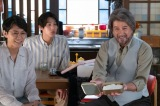 連続テレビ小説『なつぞら』第124回より。富士子(松嶋菜々子)だけでなく、剛男(藤木直人)、泰樹(草刈正雄)までもが十勝からはるばる駆けつける(C)NHK
