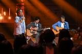 武田鉄矢が横尾渉(中央)と前川清(右)のギターで「贈る言葉」を披露=UTAGE!』令和の夏!挑戦の夏!3時間スペシャルより(C)TBS