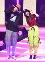 『第23回Seventeen夏の学園祭2019』に出演した(左から)鈴木仁、田鍋梨々花 (C)ORICON NewS inc.