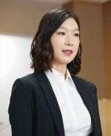 NHK総合・ドラマ10『これは経費で落ちません!』第6話から登場する麻吹美華(江口のりこ)(C)NHK