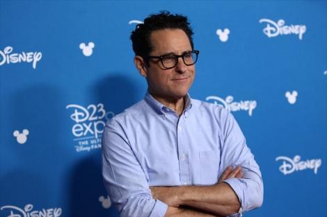 映画『スター・ウォーズ/スカイウォーカーの夜明け』(12月20日公開)J.J.エイブラムス監督=『D23 Expo 2019』(C)2019 Disney All rights reserved.