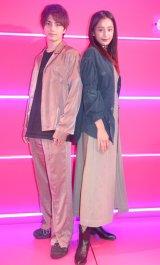 『TGC presents 秋冬ファッショントレンドトークショー』に登場した(左から)バンダリ亜砂也、Maaaya (C)ORICON NewS inc.
