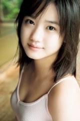 モーニング娘。'19横山玲奈の2nd写真集『REINA is eighteen〜N to S〜』掲載カット(提供:ワニブックス)