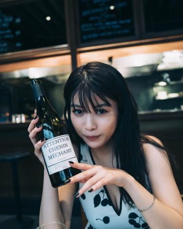 初書籍『ばばたび』(仮)を発売する馬場ふみか(C)三瓶康友/集英社
