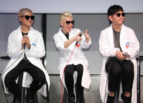 『ENERGY MUSIC PROJECT 完成披露発表会』に登場したm-flo(左から)☆Taku Takahashi、LISA、VERBAL (C)ORICON NewS inc.