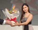ジュエリー業界の国際展示会『ジャパンジュエリーフェア2019(JJF2019)』の会場内で行われた表彰式に出席した土屋太鳳 (C)ORICON NewS inc.