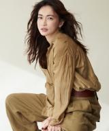 9年ぶりの舞台『メアリ・スチュアート』で初主演を務める長谷川京子