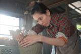 連続テレビ小説第101作『スカーレット』(9月30日スタート)第1回放送シーンより。作陶に励む川原喜美子(戸田恵梨香)(C)NHKドラマ