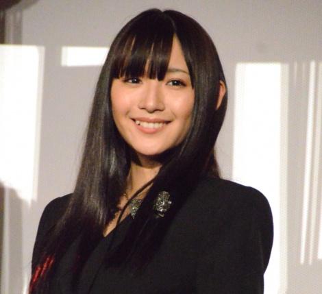 映画『かぐや様は告らせたい 〜天才たちの恋愛頭脳戦〜』初日完成披露に登壇した浅川梨奈