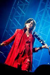 """『GUNDAM 40th FES. """"LIVE-BEYOND""""』2日目に出演したBiSHとコラボしたSUGIZO"""