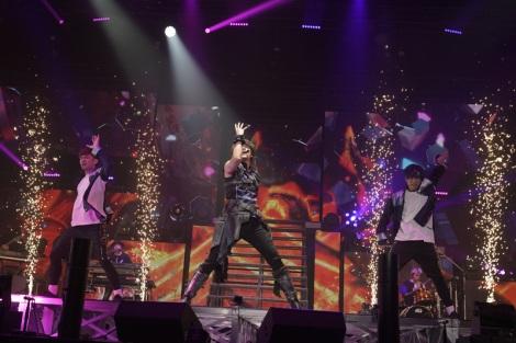 宮野真守『MAMORU MIYANO ASIA LIVE TOUR 2019 〜BLAZING!〜』ファイナルより Photo by 上飯坂一