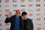 『第44回トロント国際映画祭』に参加した新海誠監督(右)と現地配給会社CEOのエリック氏
